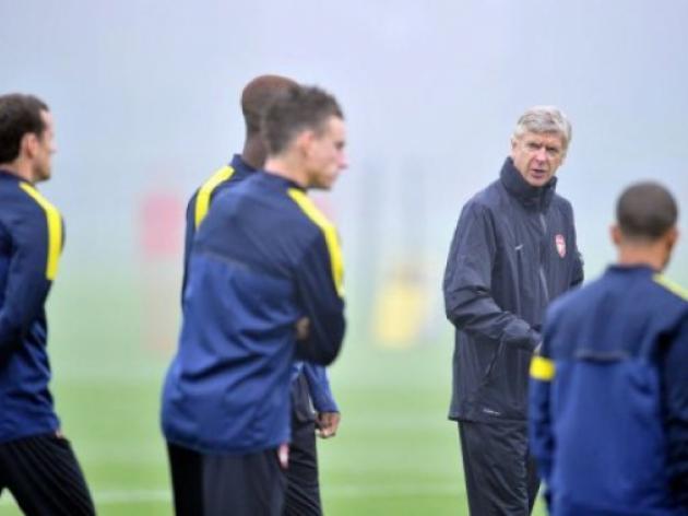 Wenger defends Arsenals 15-minute flight