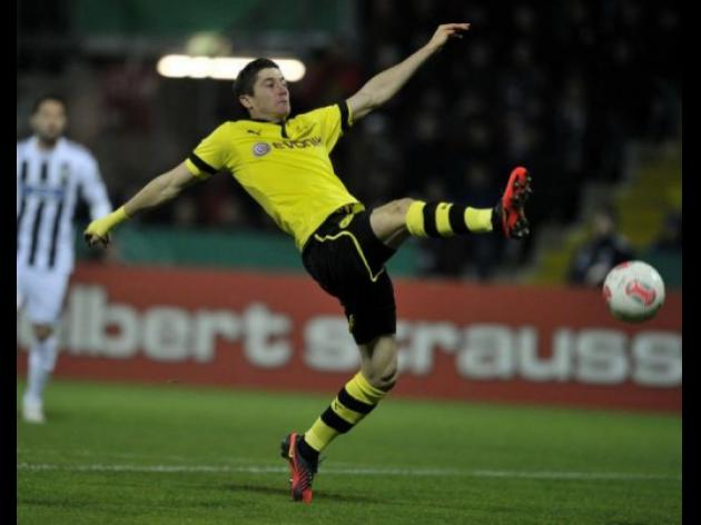 Dortmund, Schalke progress in Cup