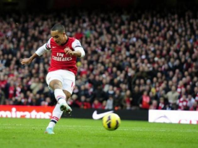 Arsenal boss Arsene Wenger ready to take a risk with contract rebel Theo Walcott