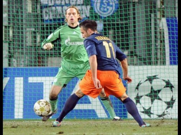 Schalke go top despite Montpellier stalemate