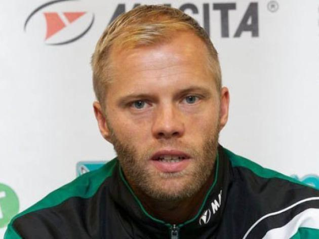 Gudjohnsen gives a helping hand to Bruges
