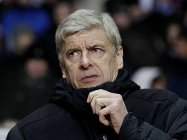 Wenger lucky to avoid sack, says Wright