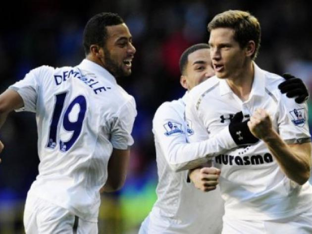 Vertonghen fires Tottenham into top four