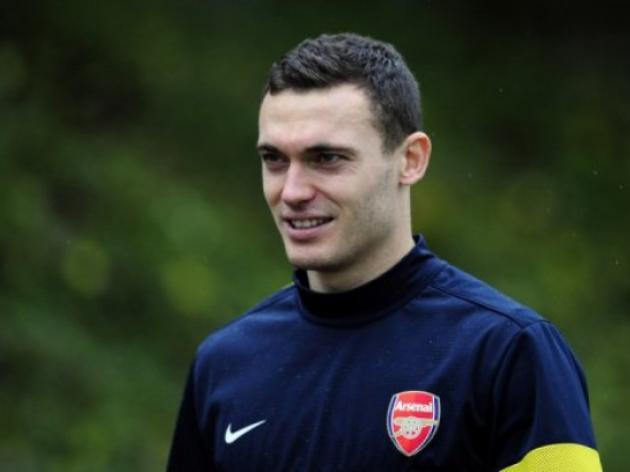 Vermaelen wants Arsenal to keep Walcott
