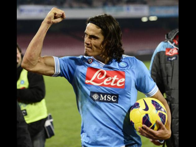 Napoli's Cavani nets hat-trick in 4-1 win against Roma