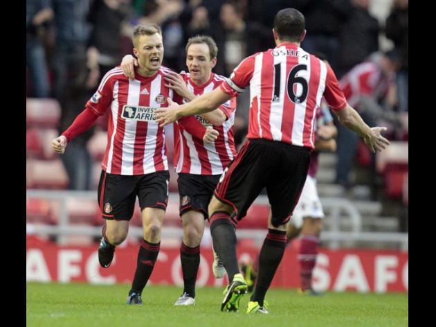 Larsson cracker eases Sunderland relegation fears