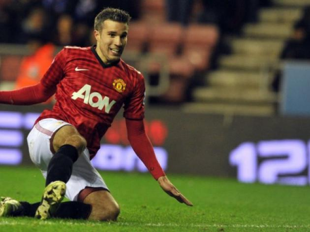 Van Persie urges focus for Man United vs Liverpool clash