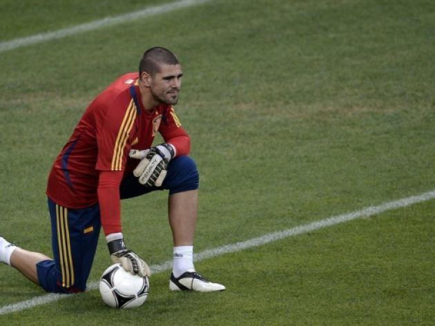 Barcelona goalkeeper Victor Valdes will not sign a new contract