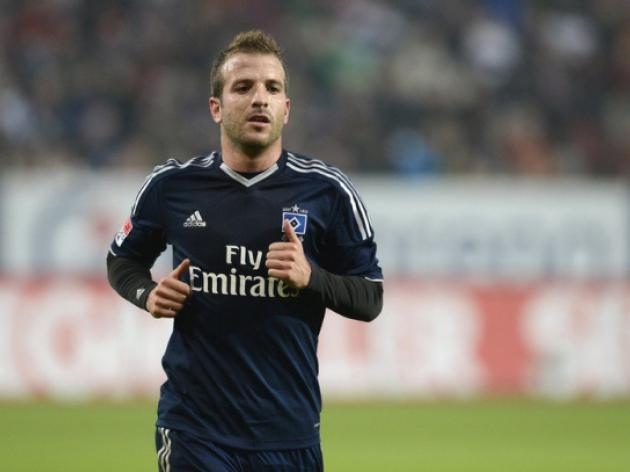 Van der Vaart returns as Hamburg claim point