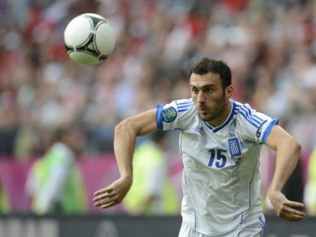 Olympiakos agrees Torosidis transfer to Roma