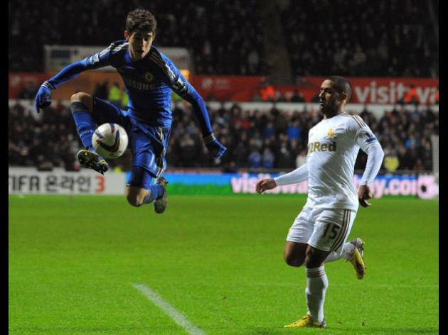 Swansea see off Chelsea to reach League Cup final
