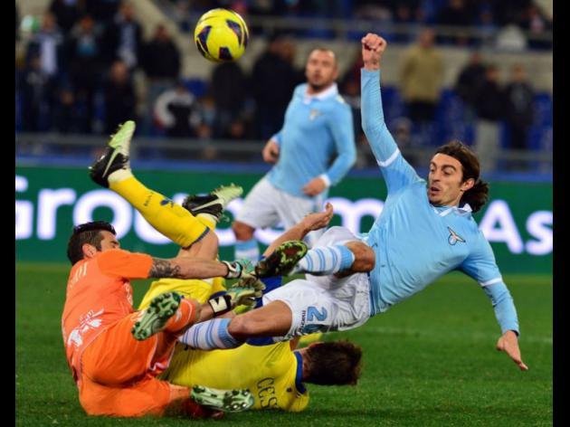 Chievo stun title-chasers Lazio