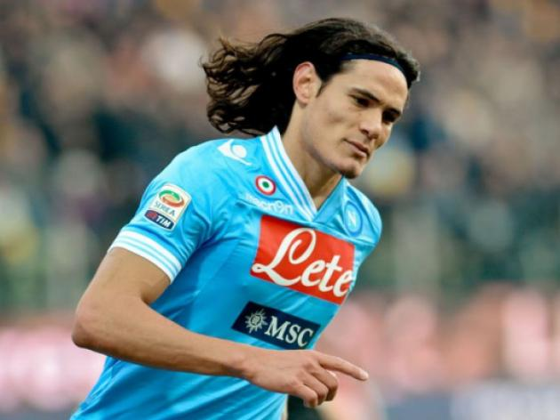 Cavani strikes as Napoli close gap to Juve