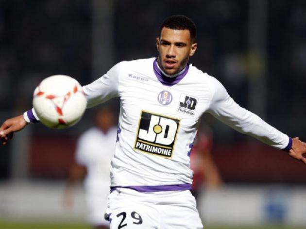 Toulouses Capoue sets sights on England move