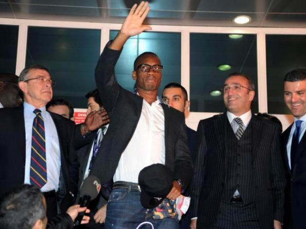 Galatasaray fans turn out to welcome Drogba
