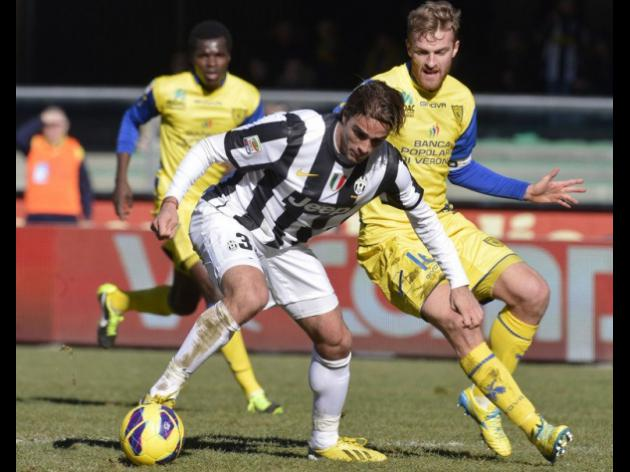 Juve ready as Napoli chase Serie A points at Lazio