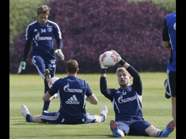 Schalke head to Galatasaray in defiant mood