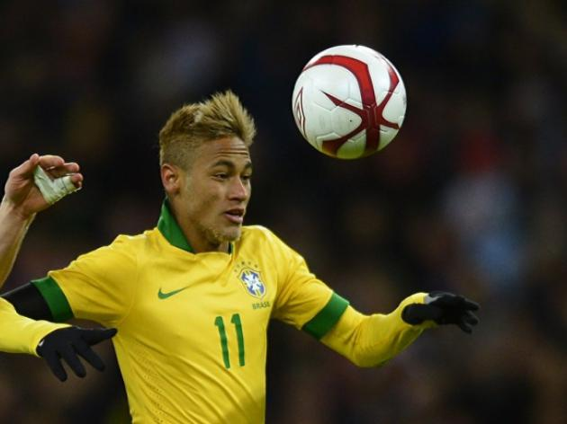 Pele slams Neymar and fears for Brazil