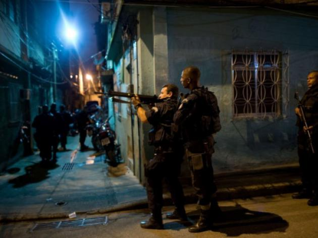 Rio police occupy slums near airport, seaport