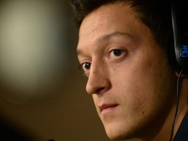 Ozil confident ahead of United showdown