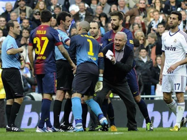 Barca keeper Valdes banned for four games