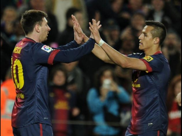 Alexis and Messi goals see Barcelona past Deportivo