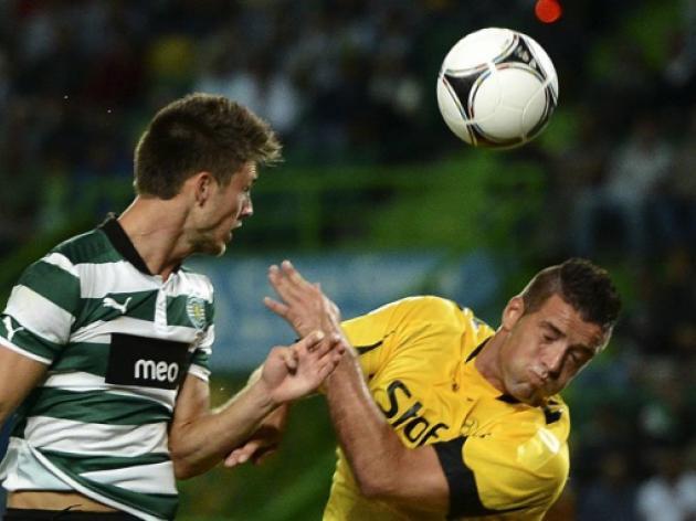 Sporting Lisbon sell Ricky van Wolfswinkel to Norwich