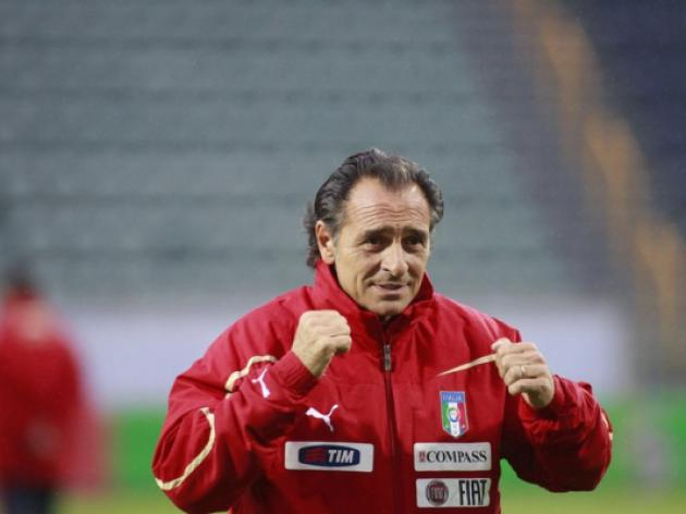 Italys Prandelli mum on team for Malta qualifier