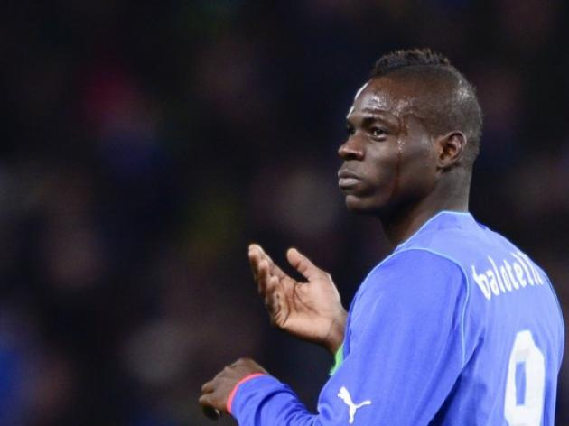 Balotelli brace gives Italy cushion