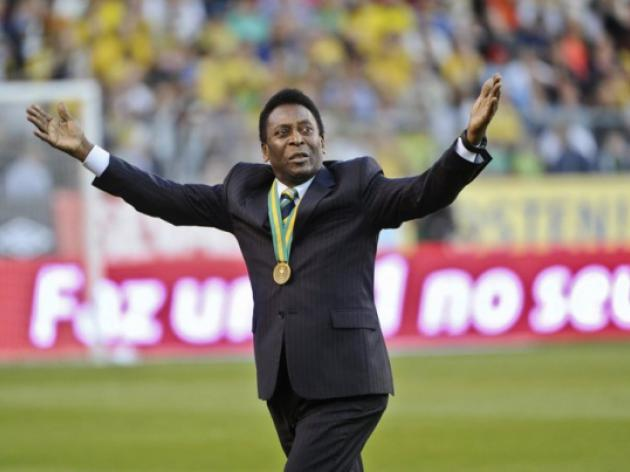 Pele in heavyweight book launch