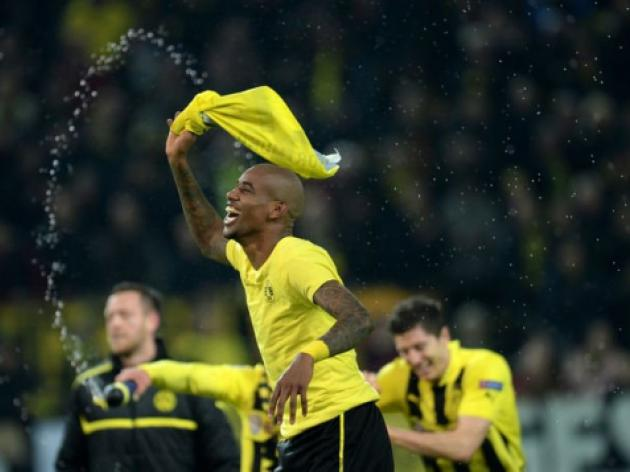 Last-gasp Dortmund snatch semi-final place