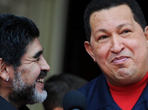 Maradona visits Chavez tomb