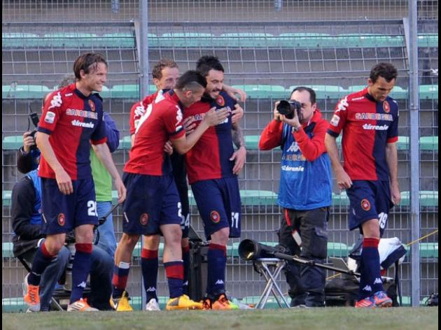 Matuzalem keeps Genoas survival hopes alive