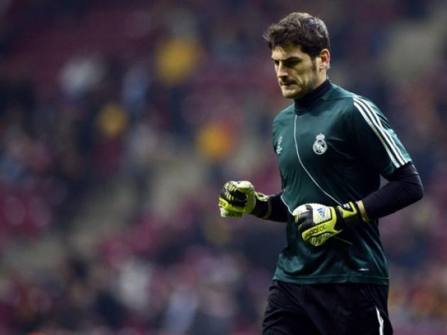 Del Bosque says Casillas spot safe with Spain