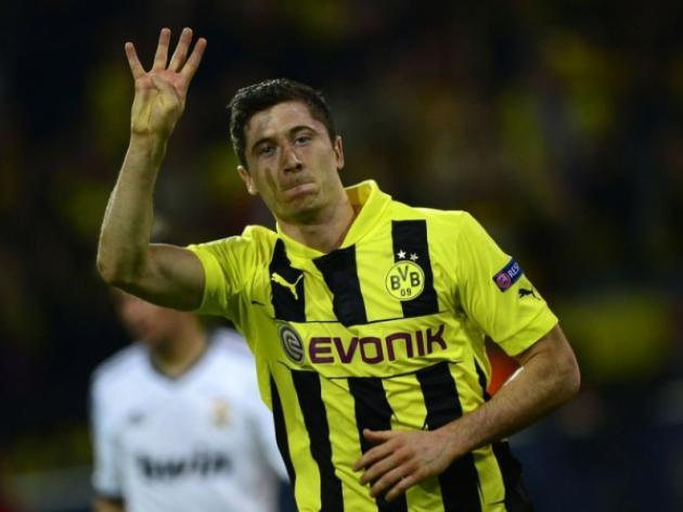Lewandowski hits four as Dortmund rout Real