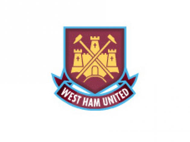 Swindon sign West Ham youngster