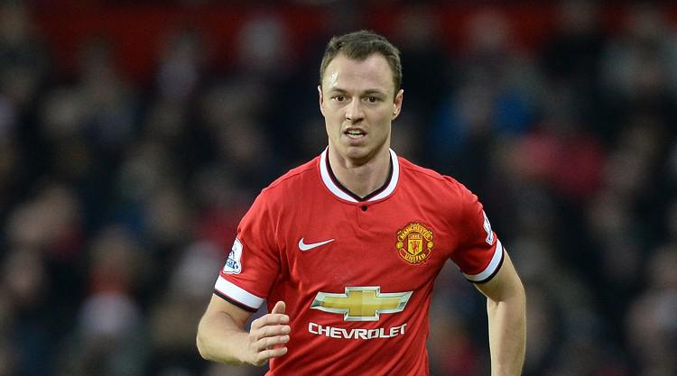 Jonny Evans holding talks with West Brom after fee agreed with Manchester United