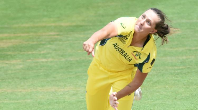 Gardner and Blackwell star as Australia draw first blood in Women's Ashes