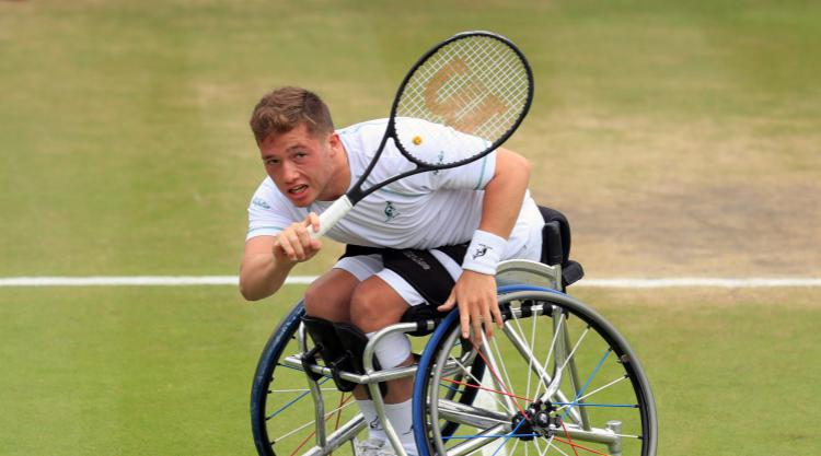 Hewett admits closing on world number one spot is