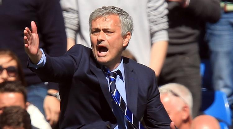 Mourinho 'offered new Chelsea deal'