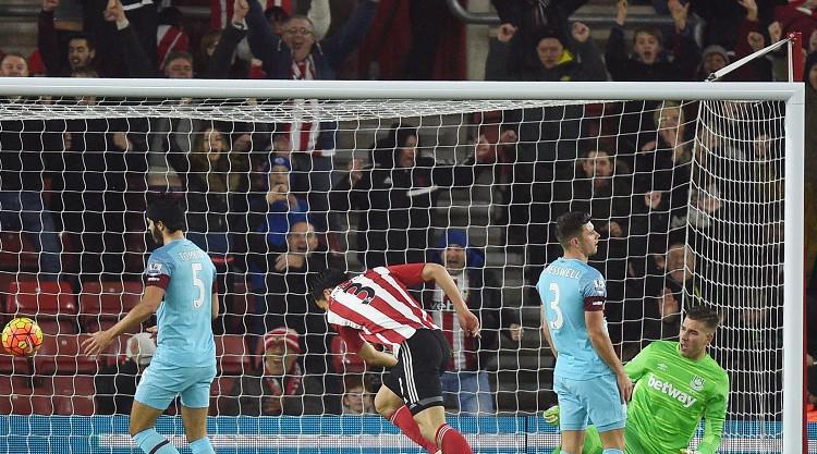 Maya Yoshida gets 10-man Southampton a win over West Ham