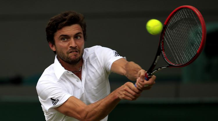 Gilles Simon survives scare to reach second round in Hamburg