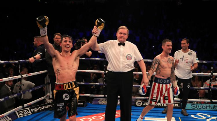Anthony Crolla beats Ricky Burns by unanimous decision in Manchester