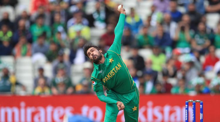 Mohammad Amir welcomes support from Alastair Cook after joining Essex