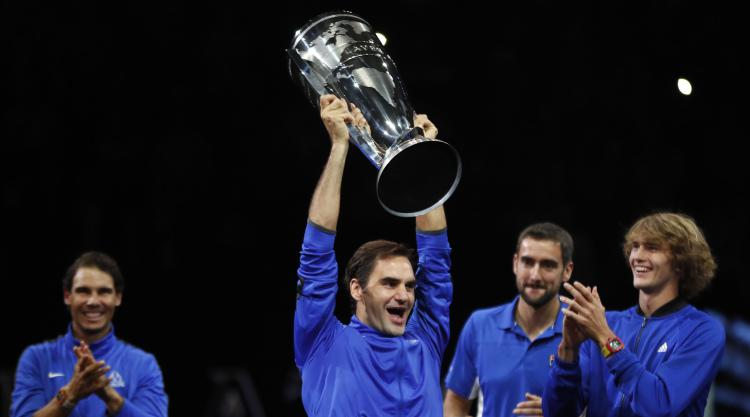 Roger Federer holds nerve to lead Team Europe to victory in inaugural Laver Cup