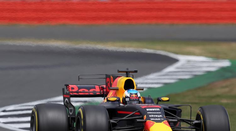 Red Bull announces new Aston Martin deal