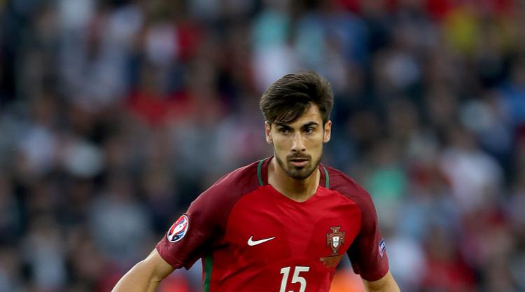 Andre Gomes completes Barcelona move