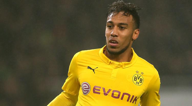 Aubameyang commits to Dortmund