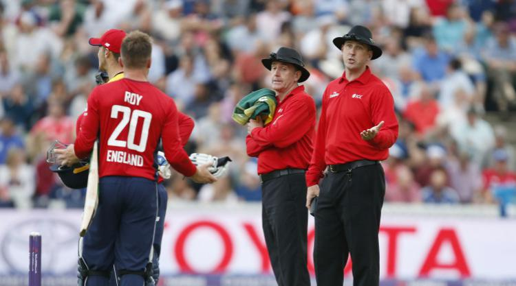 England captain Morgan reckons Roy's dismissal in South Africa win was '50-50'