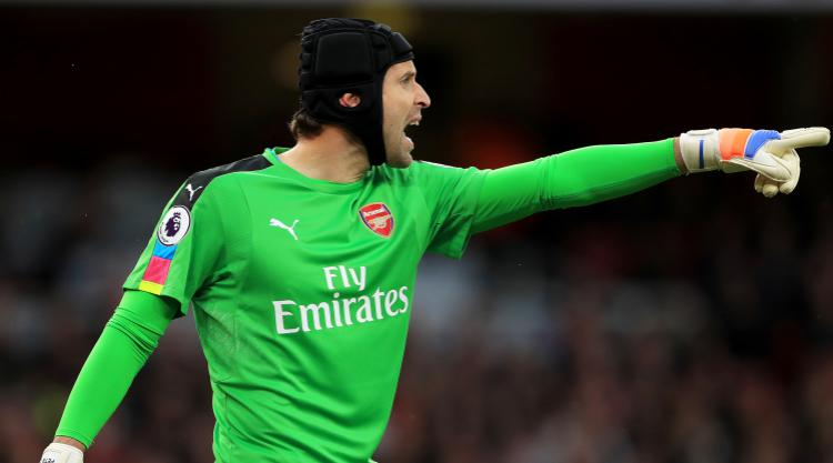 Arsene Wenger points out quality of his two goalkeepers